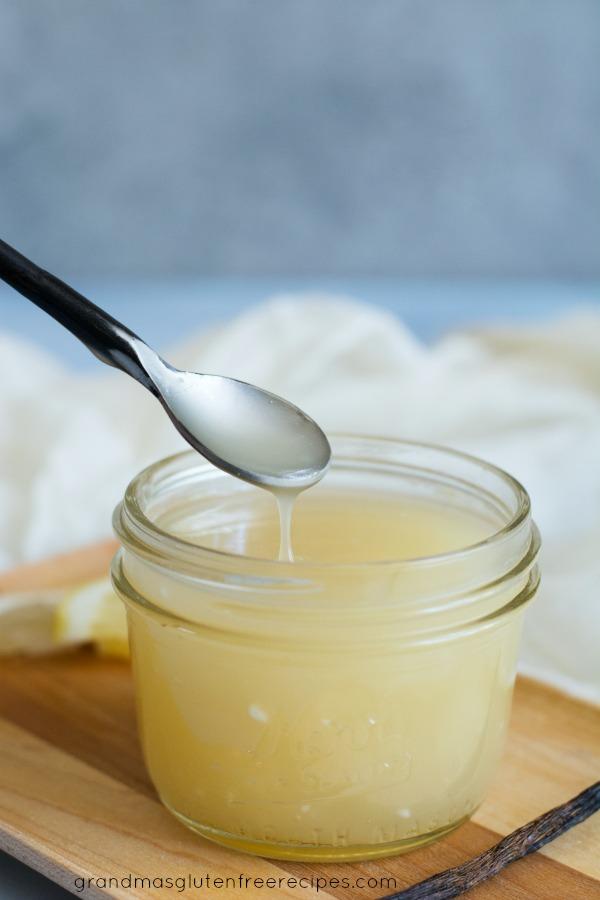 Easy vanilla cream sauce drizzle